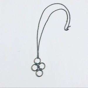 Long adjoining circles necklace